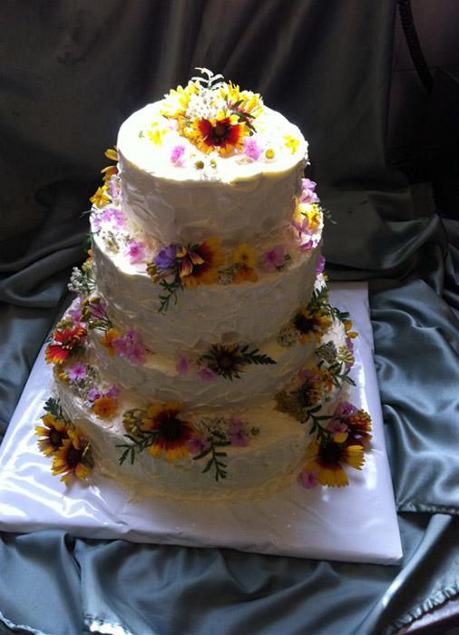 Hochzeitstorte-Blumen