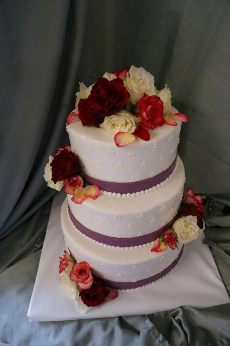 Hochzeitstorte-Rosen-bunt
