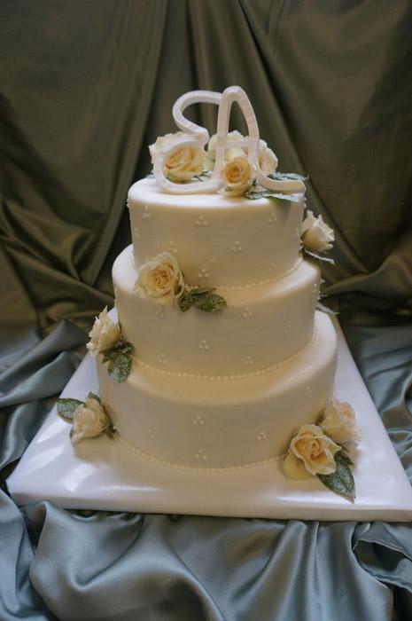 Hochzeitstorte-weis