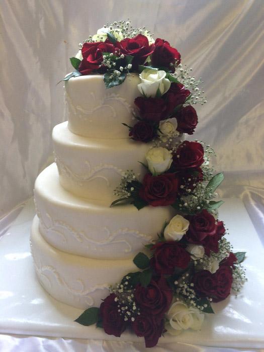 Rosen-Hochzeitstorte